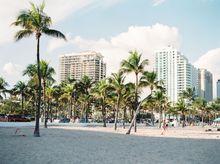 Miami Beach (Photo by aurora.kreativ in Unsplash)