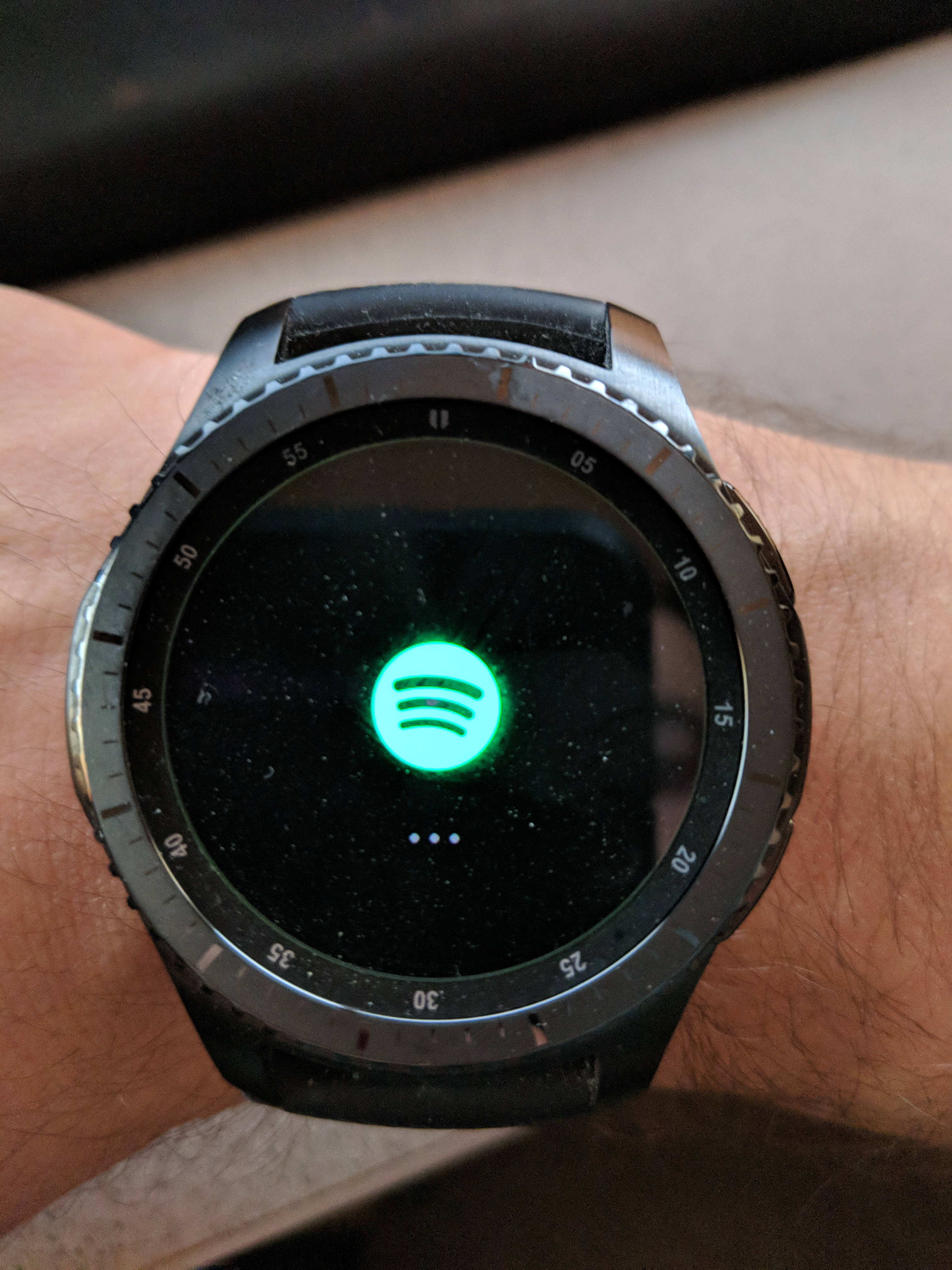 Samsung Gear S3 Endless loading screen - The Spotify Community